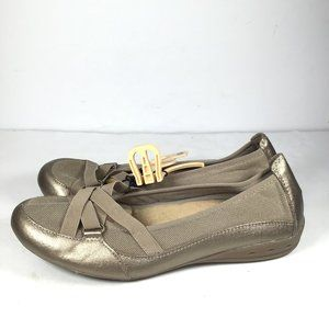 Earth Spirit Taupe Flats Size 9